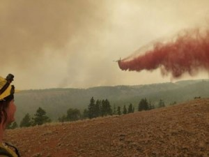 Fire Retardant Application Using A Modified DC-10 Credit: Washington Interagency Incident Management Team #4